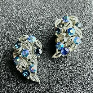 Signed LISNER Vintage Blue AB Rhinestone Silver Tn Leaf Flower Clip Earrings 641