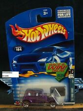 HOT WHEELS 2002 #104 -1 32 FORD VICKY 02C