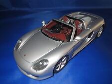Minichamps ! Porsche Carrera GT in silbermetallic im Maßstab 1:18 - SELTEN -
