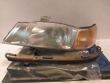 2000 Honda Odyssey driver headlight FLAWS
