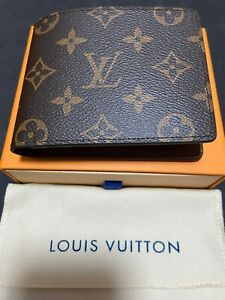 Mens Louis Vuitton Auth Multiple Wallet Monogram Bifold