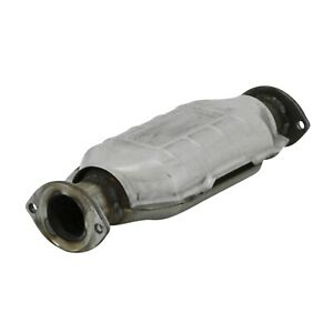 """Flowmaster 2050003 Catalytic Converter 2.25"""" IN/OUT for 95-00 Toyota Tacoma"""