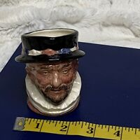 Vintage Royal Doulton Small 3.25in Toby Mug Beefeater D6233 1946 EUC