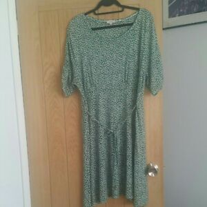 FAT FACE Ladies summer dresses size 20 used but  good  condition  length 40 inch