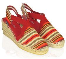 Calzado de mujer plataformas de color principal rojo