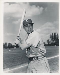 Pee Wee Reese vintage circa 1952 original Brooklyn Dodgers team issued photo