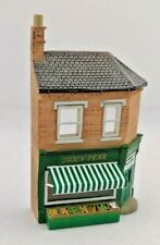 N Gauge Graham Farish Scenecraft Building - Low Relief Greengrocers (42-253)