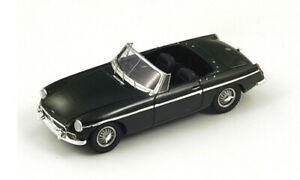 MG MGB Roadster (1962) in British Racing Green (1:43 scale by Spark S4137)