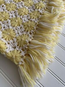 Vintage Crochet Daisy Flowers Afghan Lap Blanket White Yellow Fringe 40x35