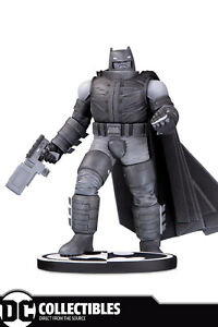 DC Comics Batman Black & White Frank Miller Armored Batman Statue
