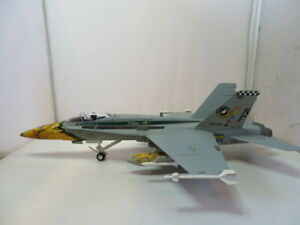 ARMOUR F-18 HORNET U.S. NAVY BLUE ANGELS 1:48 IN BOX