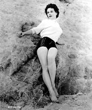 8b20-0507 barefoot Pamela Duncan in short shorts at the beach 8b20-0507