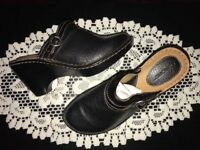 """Cherokee Sz  8 1/2 Women's Black Leather Buckle  Clog  3"""" Wedge Shoes WS10-2-3"""