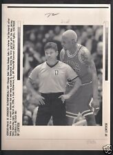 Dennis Rodman 1996 Yelling at ref Vintage A/P Laser Wire Photo with caption