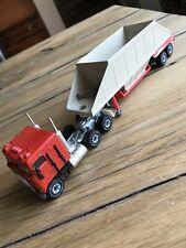 Siku American Spreader Truck