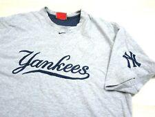 Vintage Nike NEW YORK YANKEES Embroidered (XL) T-Shirt Center Swoosh Judge Rap