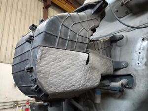 2013 Kenworth T680 Air Cleaner Assembly   (8157564