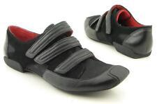 New KENNETH COLE REACTION Women Black Flat Loafer Sneaker Shoe Sz 8.5 M