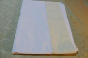 SHEET in ANTIQUE/VINTAGE ~ Linen Two Tone Single SHEET  ~