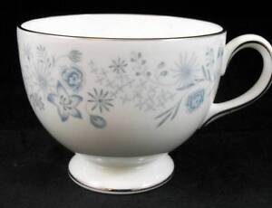 Wedgwood BELLE FLEUR Cup Bone China GREAT CONDITION R4356