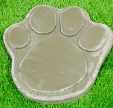 Concrete Paw stepping stone 13 inch
