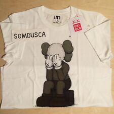 Kaws x Uniqlo UT Tee Originalfake Companion Passing Through white Chum