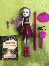 Monster High Spectra Vondergeist School's Out First Wave Doll & Diary PET