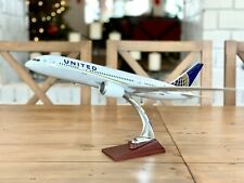 Boeing B787 Aircraft Model United Airlines 43cm Airplane
