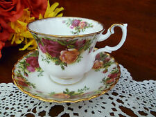 CLASSIC TEA CUP & SAUCER OLD COUNTRY ROSES BY ROYAL ALBERT MADE IN ENGLAND