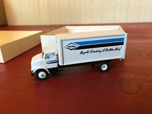Winross DANA Delivery Box Truck MIB!!
