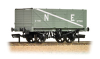 Bachmann 37-089 7 Plank End Door Wagon NE Grey OO Gauge