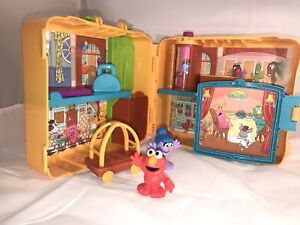 PlaySkool The Furchester Hotel Sesame Street Suitcase playset