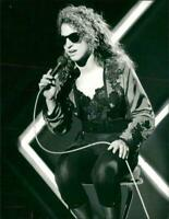 Gloria Estefan B/W   8x10 Glossy Photo