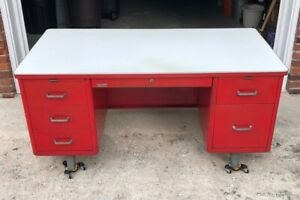 Local pickup only FL 32750 no shipping vintage mid century steel tanker desk