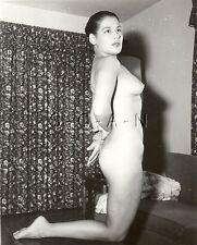Vintage Original 1940s-60s Chair Rp- Doué Hispanique Femme Assis sur Knees- Butt