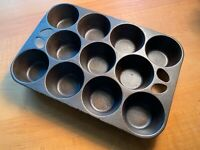 Vintage WAGNER WARE Cast Iron 11-Cup Cornbread MUFFIN Cupcake GEM PAN Unmarked