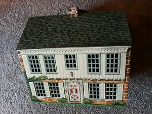 Tin 2 story doll house 1949 / Play steel by national can / 1776 Locust