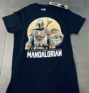 Star Wars The Mandalorian | Men's Size: SMALL T-Shirt | Baby Yoda, Mandalorian