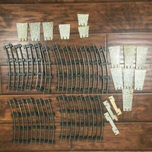 LOT GILBERT AMERICAN FLYER 21 PC CURVED TRAIN TRACKS + CARDBOARD BRICK TRESTLES