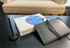 Wacom - Intuos Pro Small Graphics Tablet - ModelPTH460K0A