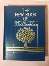The New Book of Knowledge Annual 1985 (Hardcover)