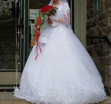 Weißes Brautkleid mit Schleppe Größe 34