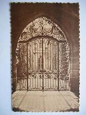 """CPA """"Abbaye de Royaumont - Asnières sur Oise - Cour de la maison des hôtes"""" *"""