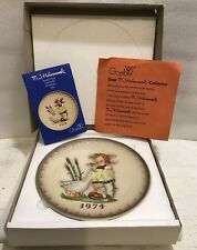 Goebel West Germany, M.J. Hummel, 1974 4th Annual Collector Plate, Hand Painted