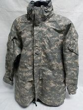 ARMY ISSUE ACU DIGITAL GORE-TEX JACKET COLD/WET WEATHER PARKA MEDIUM/REGULAR A8