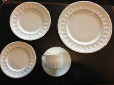 Wedgwood Colosseum Platinum 5 Piece Place Setting China #017360222