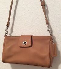 Small coach purse brown Leather shoulder bag Or Clutch Beautiful Condition