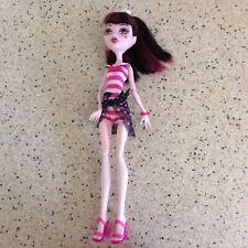 VGC Monster High Skull Shores Draculaura Doll