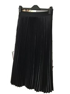 Gorgeous Pleated Black Skirt Size S (8) ♡ ♡  ♡