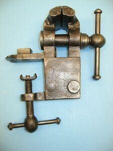 """Antique Bench Vise, 2-1/2"""" Jaws, 1-3/4"""" Spread, Clean, Ready To Use or Display"""